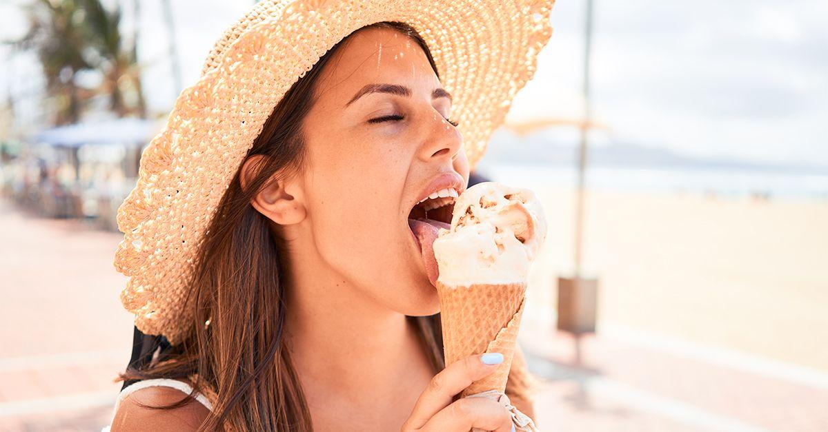 Cibi da spiaggia: che cosa mangiare al mare? Le idee e i consigli anti-caldo e pro-dieta