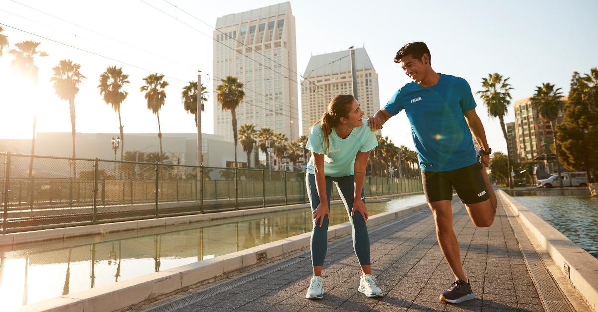 Camminata veloce all'aria aperta: l'attività ideale dopo un anno in casa. Come farla bene