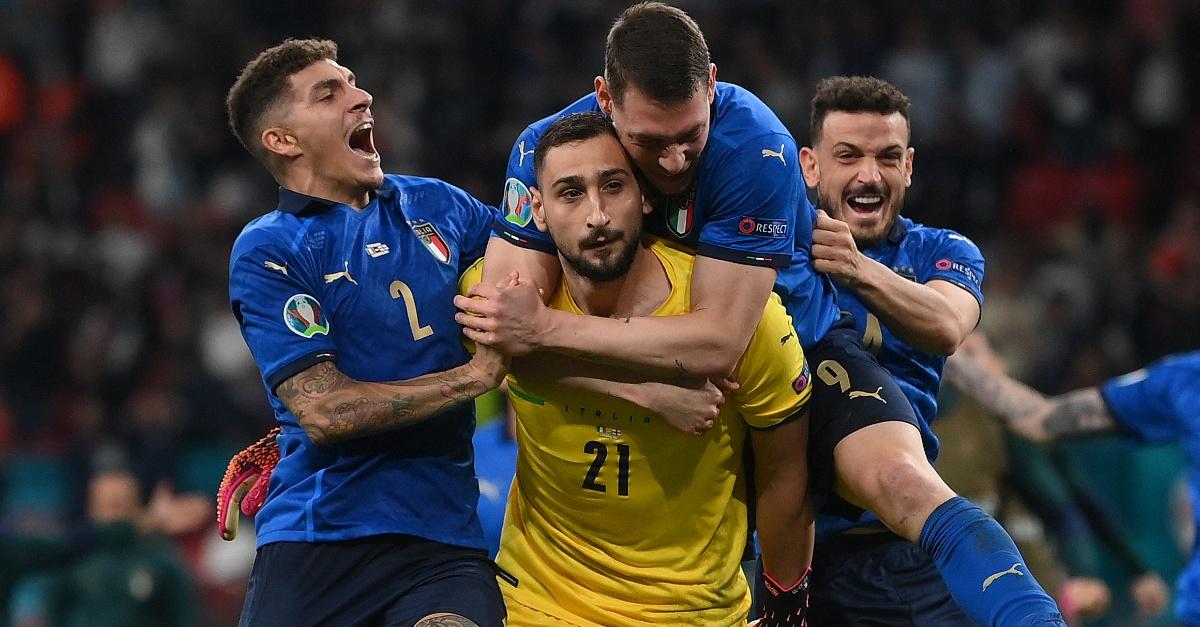 Euro 2020, Donnarumma non esulta: davvero non aveva capito di aver vinto?