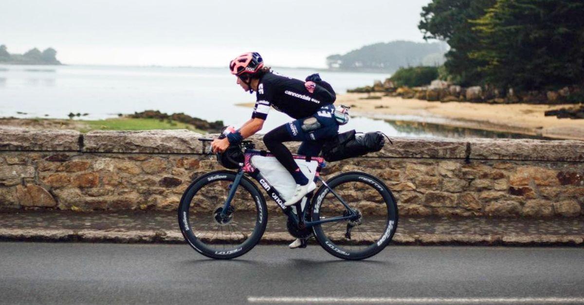 Il Tour De France di Lachlan Morton: da solo con 20kg di bagaglio vuole arrivare primo