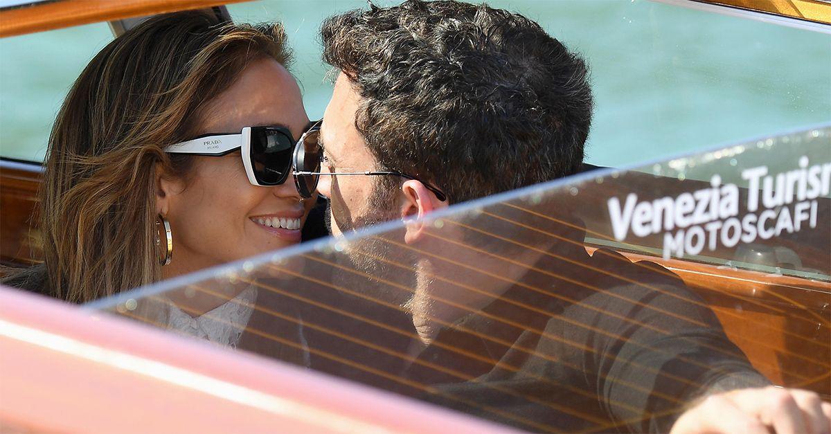 Venezia 78, Jennifer Lopez e Ben Affleck: l'amore va in scena in Laguna