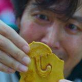 """Come fare il biscotto di Squid Game: la ricetta del """"Dalgona Biscuit"""" per giocare a casa"""