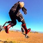 Gli stivali bionici di Keahi Seymour