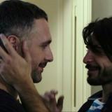 """Raoul Bova e Marco Bocci coppia gay al cinema in """"Scusate se esisto!"""", ecco la clip esclusiva"""