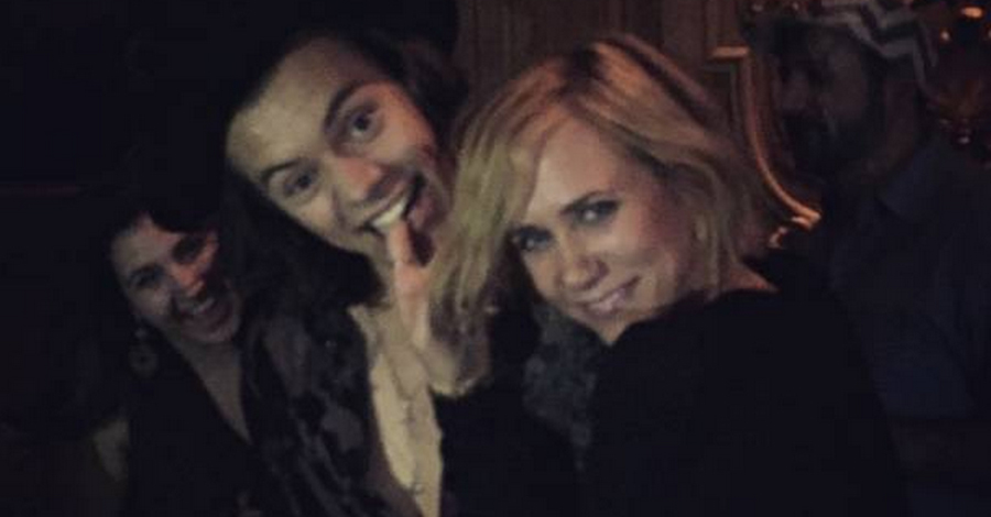 One Direction, i balli proibiti di Harry Styles con l'attrice quarantenne