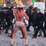 Naked Cowboy nella neve