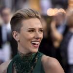 Oscar 2015, Scarlett Johanson sfoggia il taglio corto