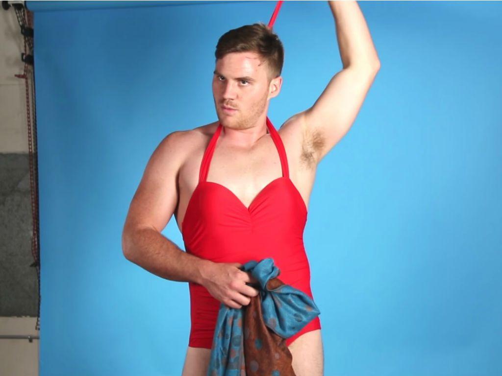 Foto Se gli uomini indossassero costumi da bagno femminili - Radio ...