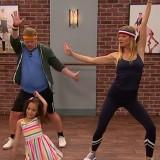 Gwyneth Paltrow a lezione di danza… dai bambini