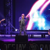 "Luca Carboni, ""happy"" a Riccione: il concerto a Deejay On Stage"