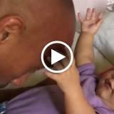 """""""Il tamburo sulla grande testa di papà"""": The Rock mostra il suo lato dolce con la figlia"""