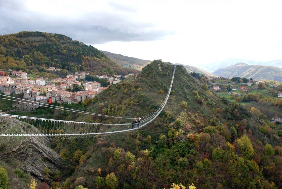 Risultati immagini per Il Ponte della Luna (Basilicata)