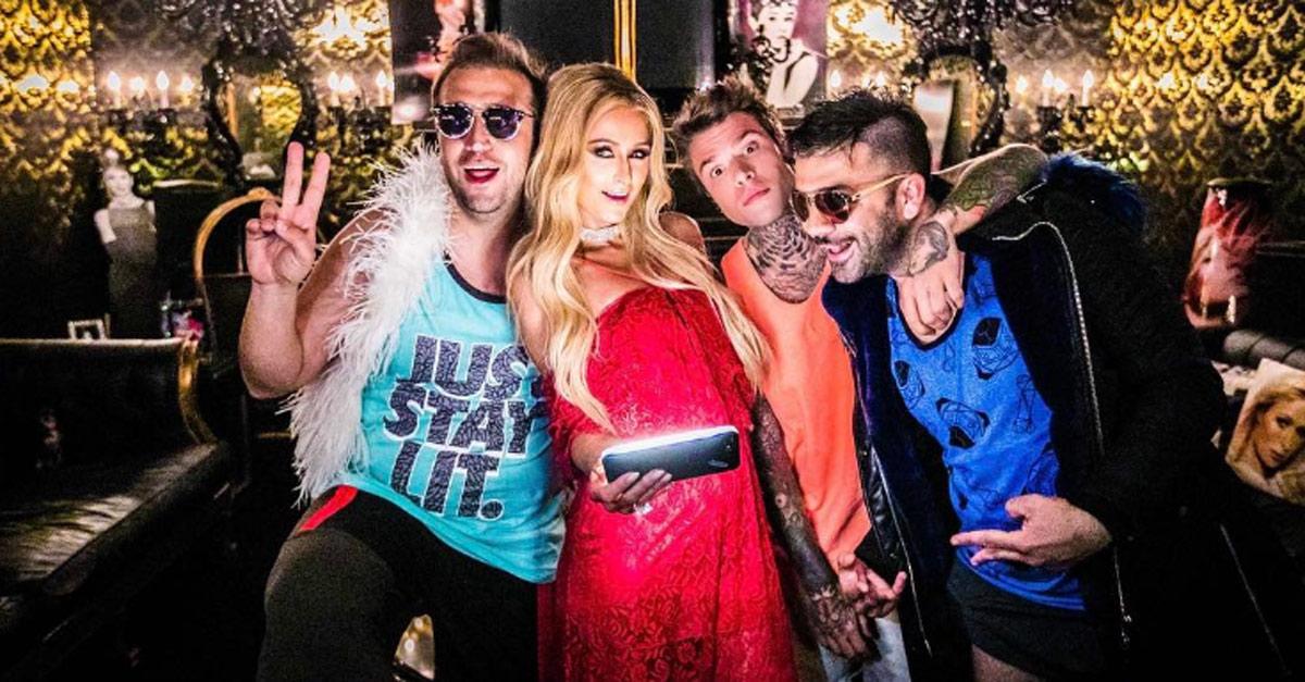 Cabina Armadio Paris Hilton.News Radio Deejay Part 23
