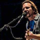 "Firenze, Eddie Vedder canta John Lennnon: ecco la sua ""Imagine"""
