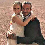 Harper Beckham principessa a Buckingham Palace: festeggia i 6 anni vestita da Elsa