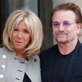 Parigi, Brigitte accoglie Bono all'Eliseo per l'incontro con Macron