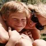 Mamma Diana raccontata da William e Harry: l'ultima troppo breve telefonata e le foto inedite