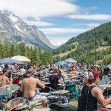 Rockin'1000: brano acustico e tre medley nel terzo raduno della rock band più grande al mondo