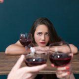 """Carlina fa sesso da 5 anni col marito di un'amica: """"Con me fa cose che con lei non fa"""""""