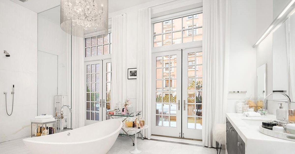 """Jennifer Lopez vende il suo attico a New York, 27 milioni di dollari per vivere come """"Jenny from the block"""""""