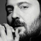 """Cesare Cremonini: ascolta la nuova canzone """"Poetica"""" (biglietti del tour in vendita da oggi)"""