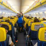 Finestrino o corridoio? La scelta del posto in aereo rivela se sei egoista o socievole