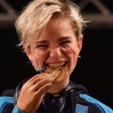 Il cuore di Bebe: vince l'oro ai mondiali e offre la medaglia per l'asta benefica del Trio