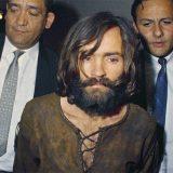 È morto Charles Manson: il diavolo hippy che fondò la 'family'. La sua storia a Dee Giallo