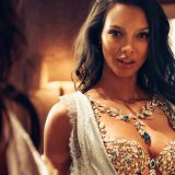 Topazi blu, diamanti e zaffiri: Victoria's Secret presenta il reggiseno da 2 milioni di dollari