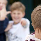 Bulli: come aiutare i figli a uscire dal tormento. L'esperienza di mamma Jenny a DJCI
