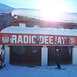 Pila Snowland ti aspetta sulla neve in compagnia di Radio Deejay: buone sciate!
