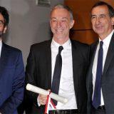 """Ambrogini d'oro, la premiazione di Linus: """"Di Milano interpreta lo stile, lo spirito inclusivo e la voglia di fare"""""""