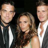 """Robbie Williams si scusa: """"Non sono stato a letto con quattro Spice Girls (erano tre…)"""""""