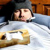 Gli uomini soffrono più delle donne durante l'influenza. Lo dice la scienza