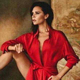 Victoria Beckham: le gambe disegnano angoli mozzafiato