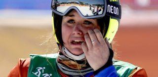 Le lacrime di Michela Moioli: 4 anni fa caduta in finale, oggi primo oro nello snowboard