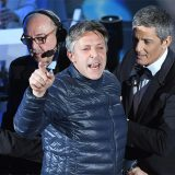 """Sanremo, incursione sul palco. Fiorello a DJCI: """"Dopo il festival ho incontrato l'uomo e si è scusato"""""""