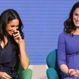 Kate Middleton e Meghan Markle, future cognate in blu