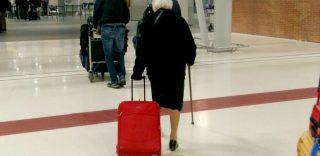Nonna Irma a 93 anni è partita per il Kenya, ma non sta andando in vacanza