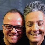 """Gigi D'Alessio canta """"Radio DEEJAY tu la mia musica non passi mai"""" live da Fiorello"""