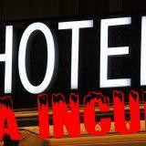 """""""Il menù di una pizza apre la stanza di un hotel"""". Storie di Hotel da Incubo a Chiamate Roma"""