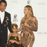Beyoncé, principessa guerriera al Wearable Art Gala. La vera star è la piccola Blue Ivy