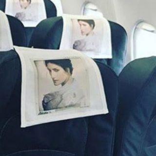 Laura Pausini fa la hostess: a bordo c'è La Pina