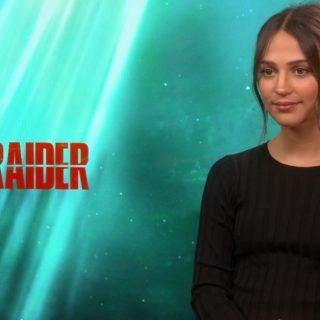 Alicia Vikander è la nuova Lara Croft, tra techno e classica