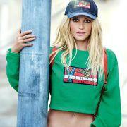 Ombelico in vista, Britney Spears torna teenager per Kenzo