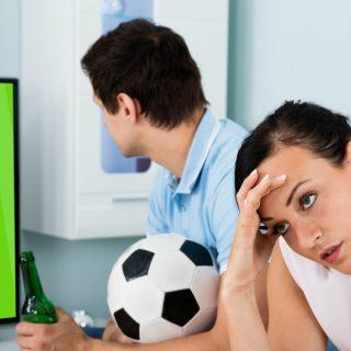 Lo sfogo: Guarda sempre il calcio e non mi considera