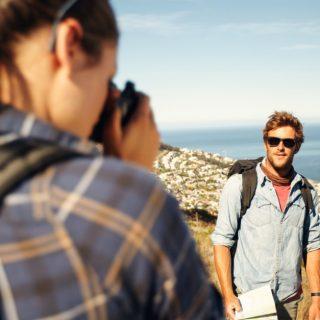 3000€ al mese per girare il mondo: cercasi 2 volontari