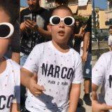 """Napoli. Un bambino canta """"Sciroppo""""di Sfera Ebbasta: l'esibizione è esilarante"""