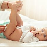 Prima di cambiare il pannolino a vostro figlio chiedetegli il consenso