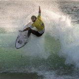 """Il campione di surf Roberto D'Amico torna a Deejay Xmasters per presentare il film """"The Island"""""""